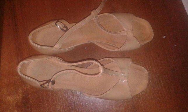 Продам бальні туфлі