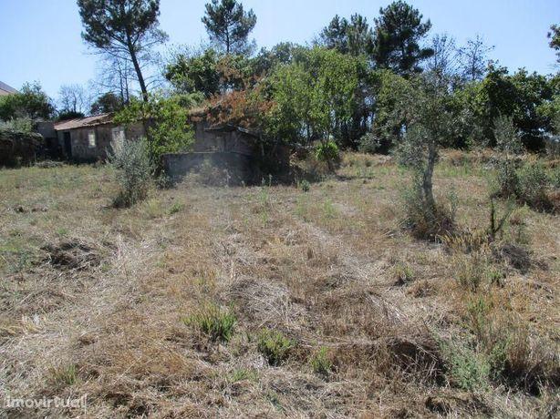Terreno para construção com 760 m2 perto de Dornes