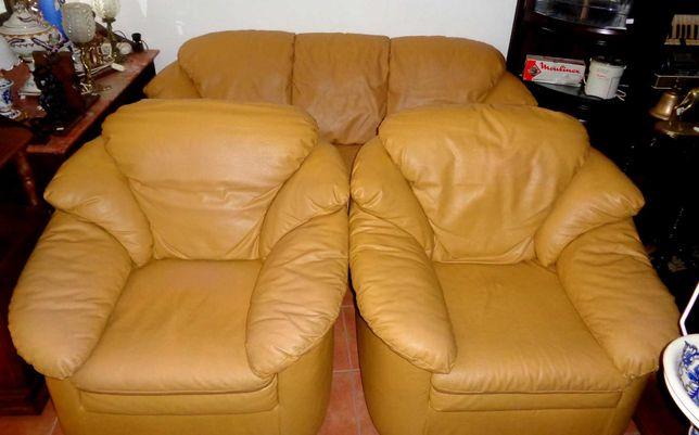 Sofás em pele camel - terno com cama