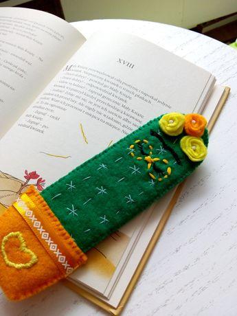 Ozdobna zakładka do książki uszyta z filcu kaktus rękodzieło