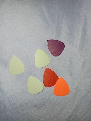 Kostki gitarowe 1zl za sztukę