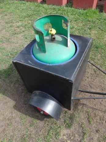 Wózek własnoręcznie wykonany do przewożenia butli z gazem