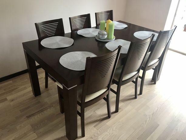 Drewniany stół i krzesła duży rozkładany