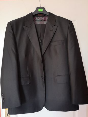 Sprzedam garnitur meski