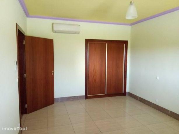 Apartamento em Almeida, Vilar Formoso