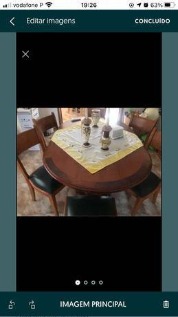 Mesa sala jantar e seis cadeiras em pele