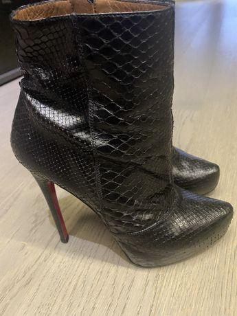 Ботинки под рептилию
