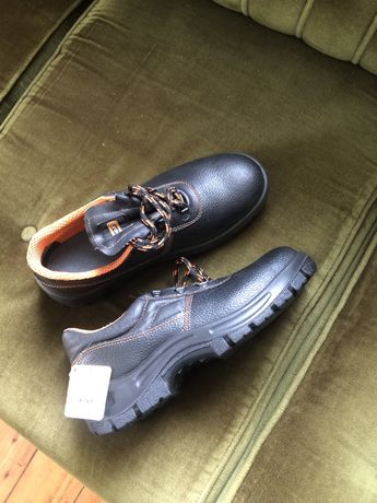 Рабочие ботинки туфли
