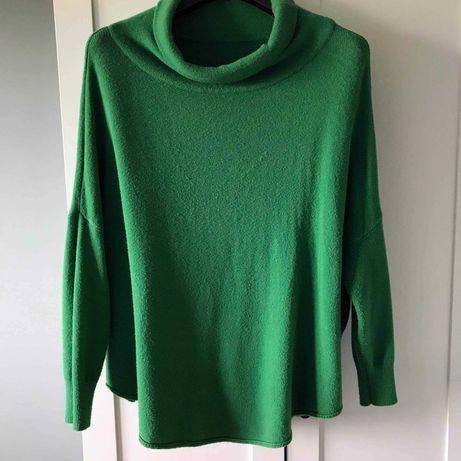 Golf  w pięknym zielonym kolorze