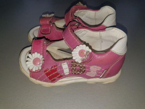 Sandały dla dziewczynki rozmiar 21