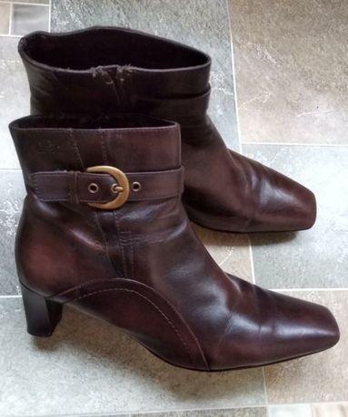 Кожаные ботинки сапоги ботильоны caprice