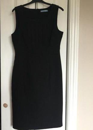 Шикарное платье футляр от atmosphere размер М