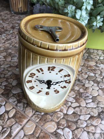 Zegar ceramiczny mechaniczny - porcelana.