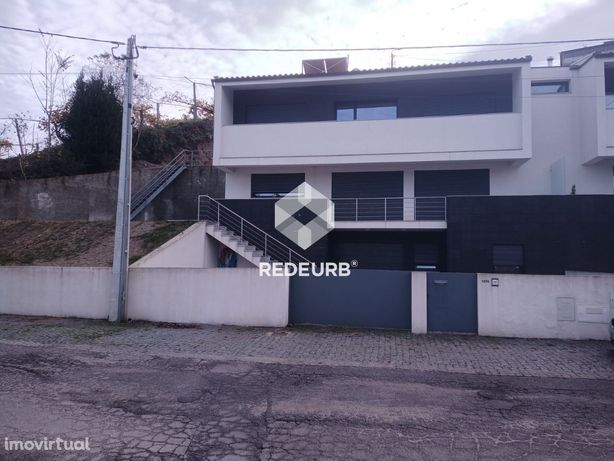 Moradia Geminada T3 - Sande S. Lourenço- Guimarães