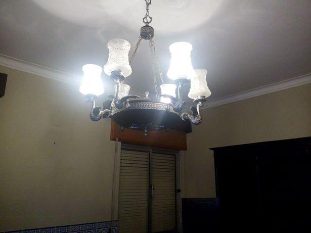 candeeiro de teto com 5 lâmpadas