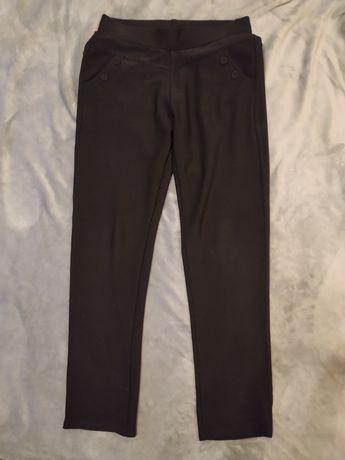 Czarne spodnie z guziczkami XS / S