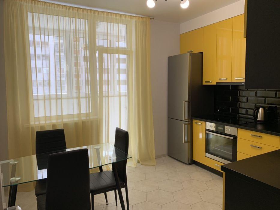Драгоманова 2 1 комнатная люкс Квартира посуточно Позняки-1