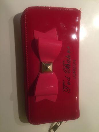 Продам красный девичий кошелёк, 100грн.