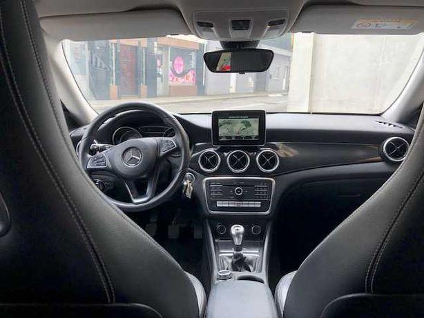 Mercedes CLA180 Shooting Break URBAN -Como Nova