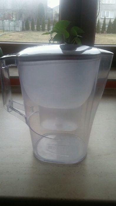 Dzbanek do filtrowania wody Brita używany