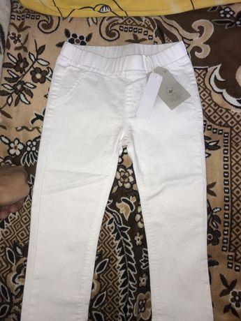 Стрейчевые джинсы на 2-3 года