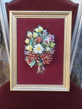 Quadro flores porcelana Italiana antigo 40 cm por 30 cm
