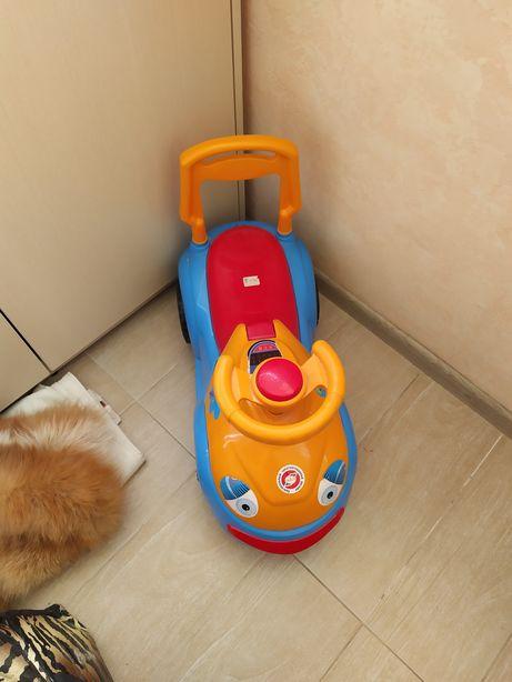 Машина дитяча