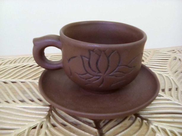 Чашка с блюдцем из красной глины. Китай