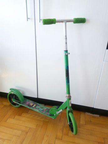 Продам самокат Strike зелений