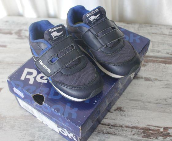 Кроссовки кожаные  reebok  оригинал, размер EUR 24