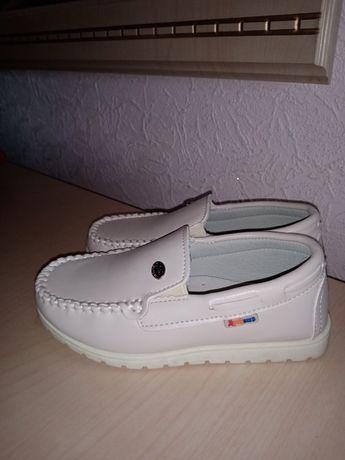 Фирменные кожаные туфли, макасины, кеды, кроссовки. Размер 29см. Новые