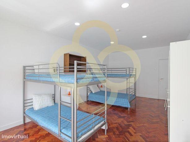 Quarto duplo situado na residência estudantes Acqua Roma ...