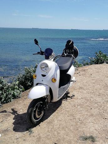 Продам электро-скутер Elwinn 2160