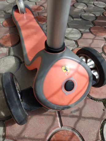 Детский самокат Globber Primo Plus Ferrari Red