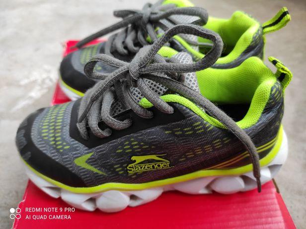 Кроссовки светящиеся Slazenger 28 размер