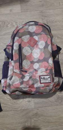 Продам портфель в школу
