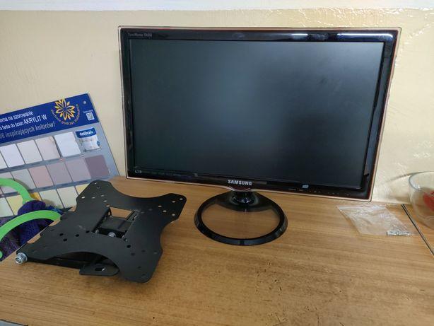 Telewizor Samsung TA550 +wieszak na ścianę