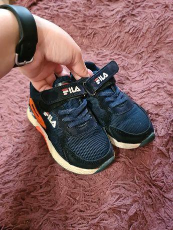 Дитячі кросівки 28розміру.