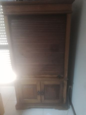 Móvel em madeira (viga velha)