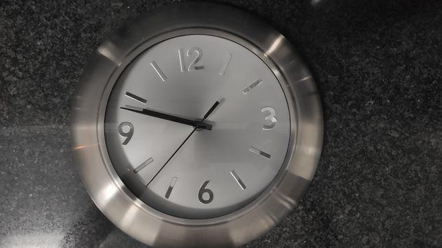 Relógio de parede usado