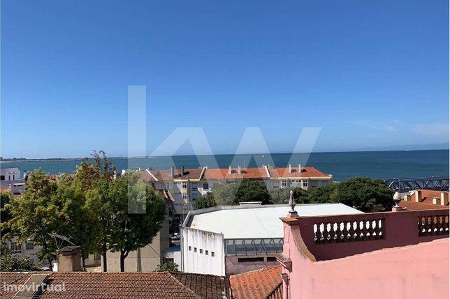 Fantástico apartamento T2+1, com vista mar, na Cruz Quebrada