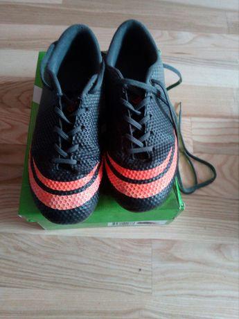 Korki 33, buty sportowe do piłki