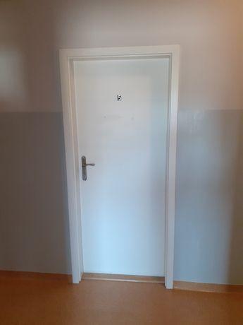 Dzwi biale wewnetrzne prawe/lewe 80