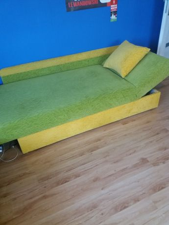 Sprzedam łóżko tapczan 1 osobowy w dobrym stanie