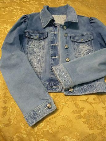 Куртка джинсова на дівчинку