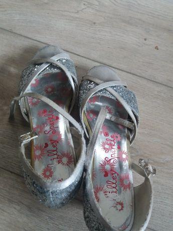Туфельки для танців