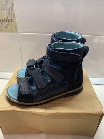 Ортопедическая обувь Theo Leo в идеальном состоянии