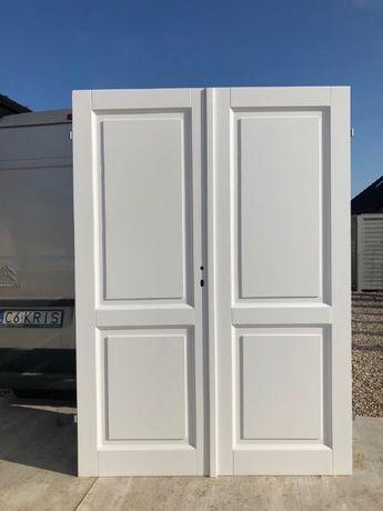Drzwi dwuskrzydłowe białe drewniane sosnowe