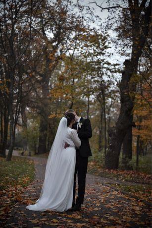 Элегантое свадебное платье, фата + украшение