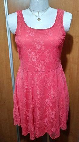 Piękna koronkowa sukienka 44-46